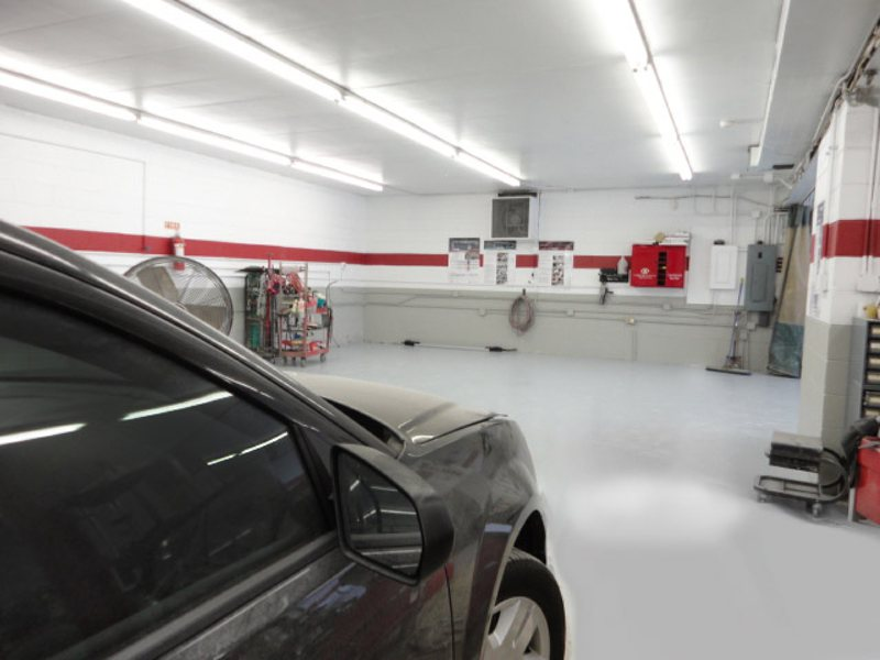 Body shops that offer free rental car 3 best auto body for Crown motors service center