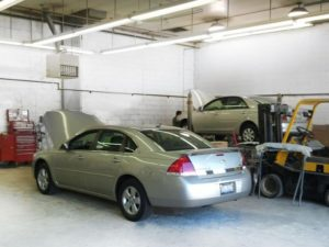 auto body repair lansing inside shop